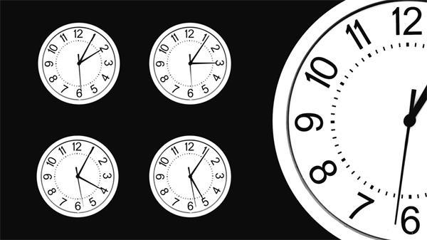 多个时钟同时加速运转实拍高清视频素材