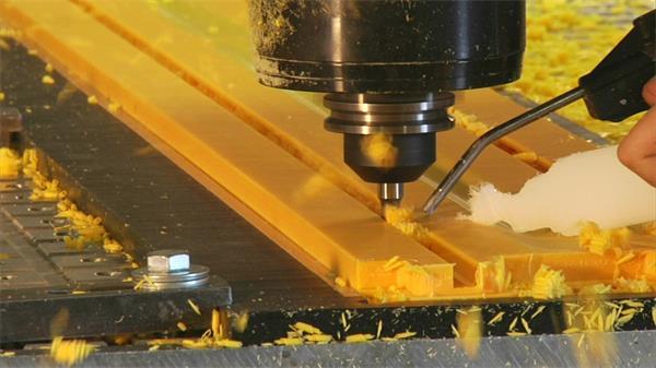 产业塑胶消费机器加工实拍高清视频素材