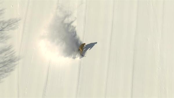 雪山滑雪运动航拍实拍高清视频素材