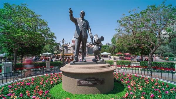 迪士尼米奇老鼠唐老鸭游乐场加速延时实拍高清视频素材