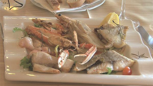 高级餐厅海鲜大餐菜品摆盘美味食物餐厅自助餐高清视频实拍
