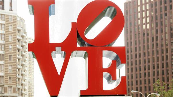 鲜红平面LOVE浪漫示爱求婚实拍高清视频素材