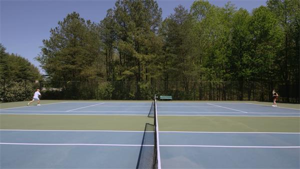 【4K】老人娱乐健身网球运动实拍高清视频素材