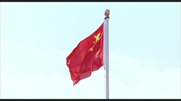 北京天安门红旗迎风飘然万人瞩目实拍高清视频素材
