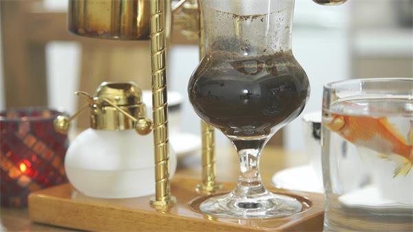 【4K】品味手工现磨咖啡制作乐趣过程实拍高清视频素材