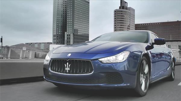 魅力完善展现玛莎拉蒂汽车成功人士驾驶奔跑美姿宣传高清视频实拍