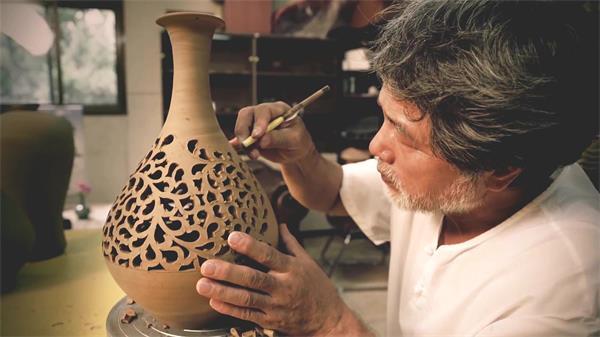 官方古典工艺艺术陶瓷陶艺雕塑花瓶外形雕琢纹理细节高清视频实拍
