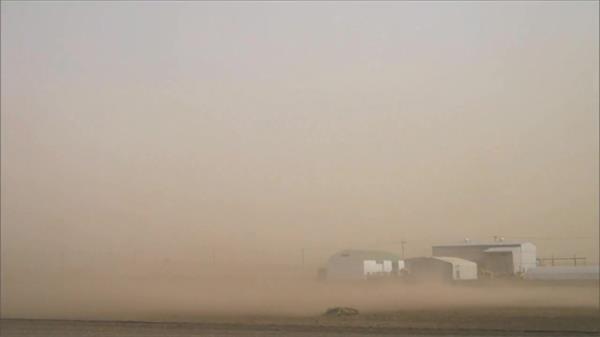 城市被沙尘暴覆盖环境污染雾霾天气环保问题高清视频素材实拍
