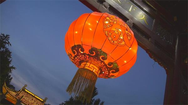 中国风透亮喜庆红灯笼高挂实拍高清视频素材