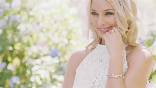 大方奢华钻石珠宝首饰形象展示广告片头实拍高清视频素材