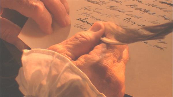 复古怀旧历史文化气息羽毛笔书写文章场景素材高清视频实拍