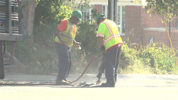 建筑工人拆分维修街道分配工作工地施工高清视频实拍