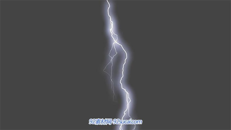 实拍素材 云雨水火 > 夜晚暴雨前夕闪光雷电电风暴大自然之怒镜头特写