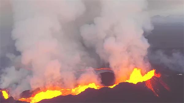 震撼绚丽火山喷发宏大岩浆活动劫难镜头高清视频实拍