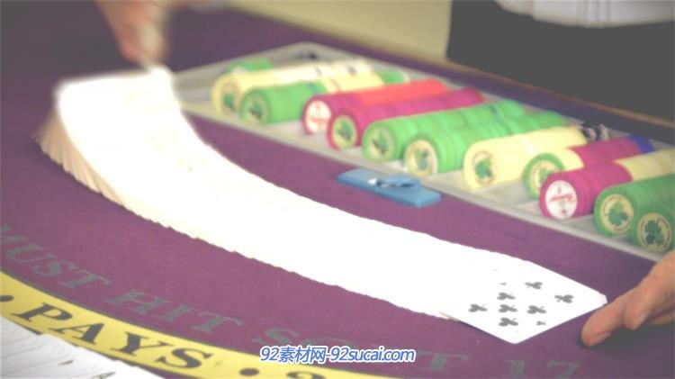 赌场荷官技巧上洗扑克牌教程赌桌慢动作镜头高安全操作上岗v赌场书说明书图片