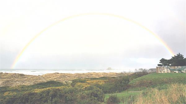 北美太平洋海洋俄勒冈州雨中彩虹静态镜头高清视频拍摄实拍