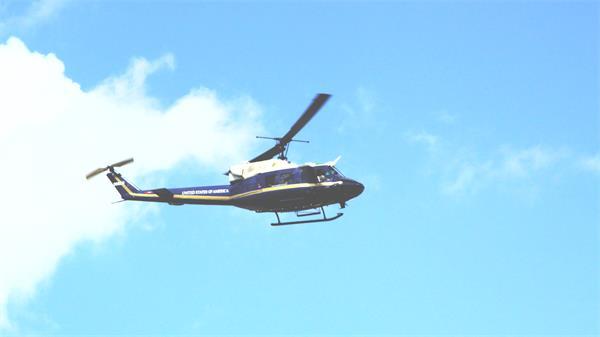 美国政府直升飞机在天空中飞行镜头记录高清视频实拍