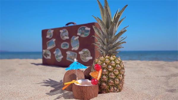 AE模板 完满沐日沙岸风光渲染复古手提箱图片宣传展现模板 AE素材