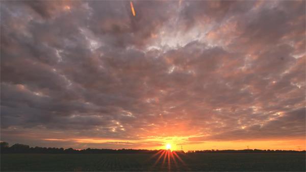 夕阳西下时间流逝日落晚霞云层变化自然风光延时记录高清视频拍摄