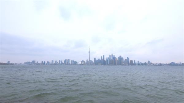 多伦多沿海风景海边天际线城市建筑高楼大厦远景旋转高清视频拍摄
