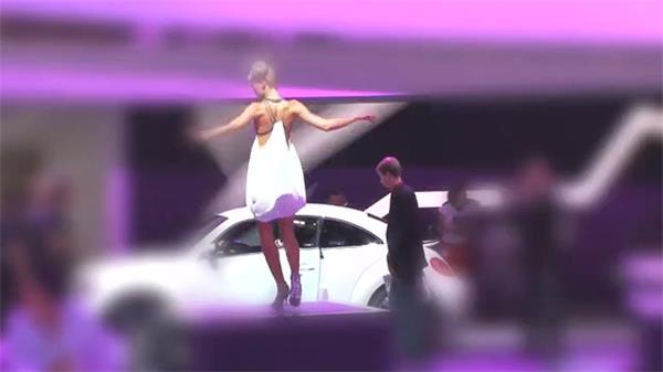 汽车展厅展示色彩灯光女士舞台跳舞迷人扭动身体镜头高清视频实拍