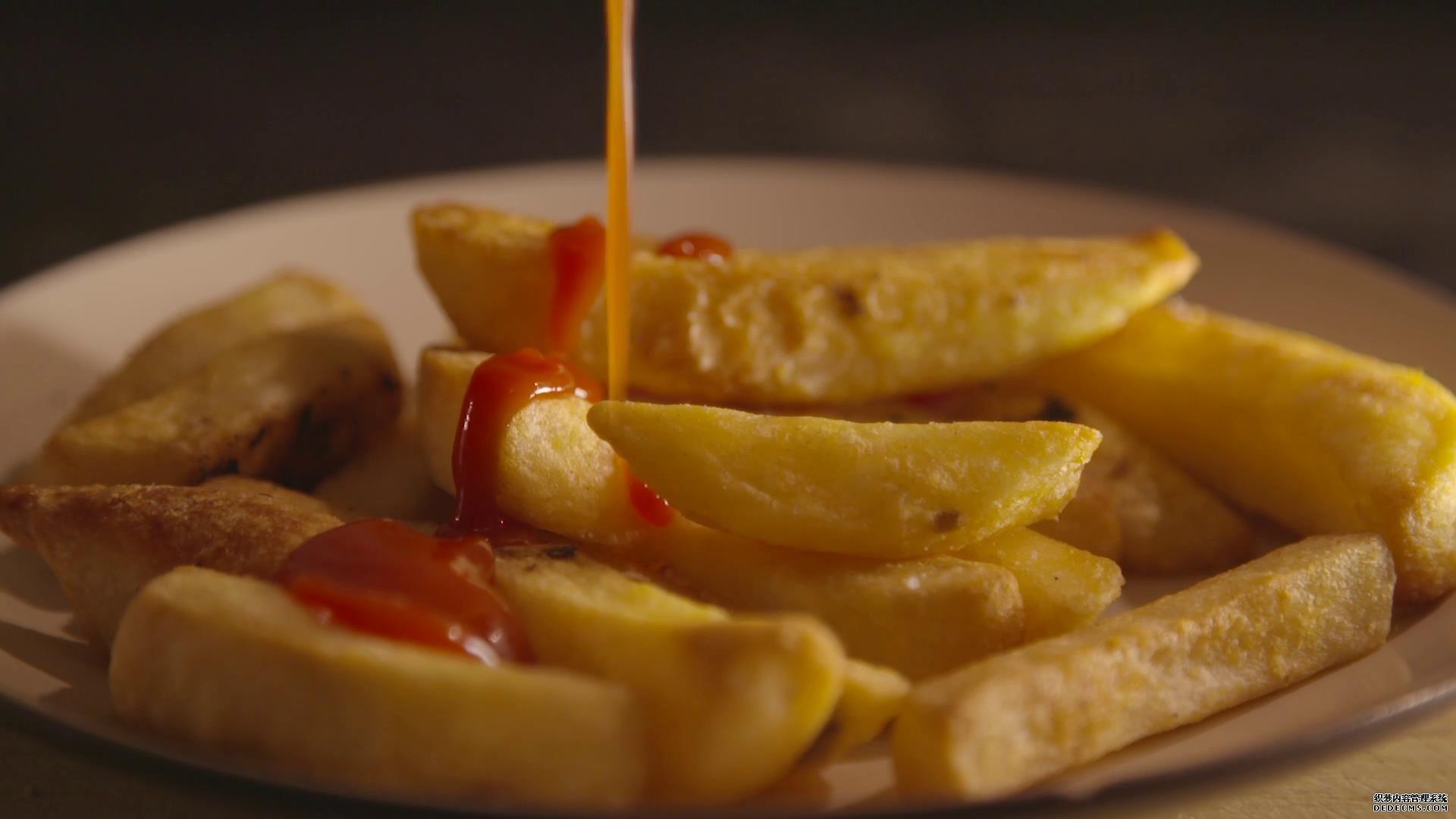 美食薯条番茄酱快餐组合高清视频素材